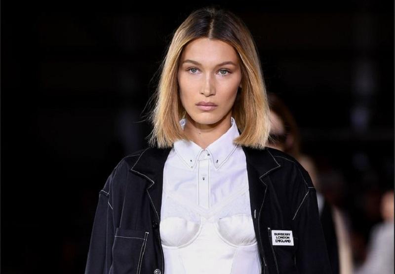 https: img-z.okeinfo.net content 2019 09 18 194 2106225 bella-hadid-terciduk-tanpa-bra-di-london-fashion-week-4bGS4GFvJV.jpg