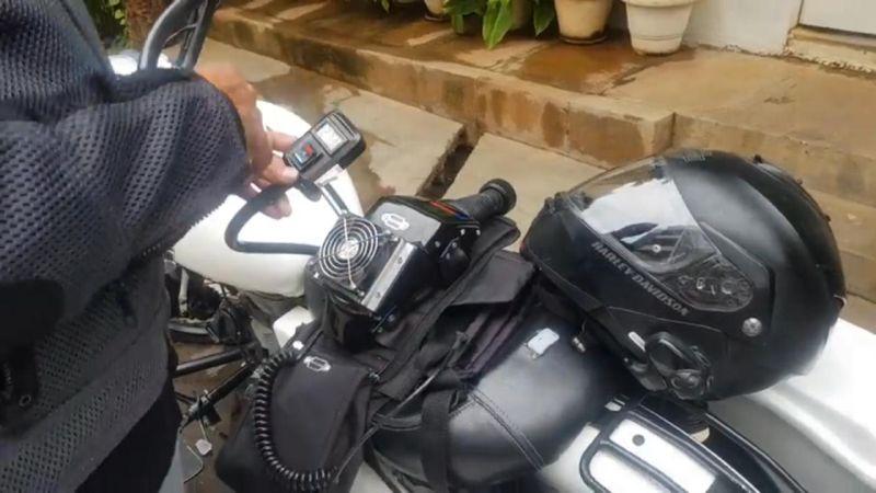 https: img-z.okeinfo.net content 2019 09 18 53 2106213 helm-ini-dilengkapi-ac-bikin-bikers-adem-sepanjang-jalan-V9gjUQdYL7.jpg