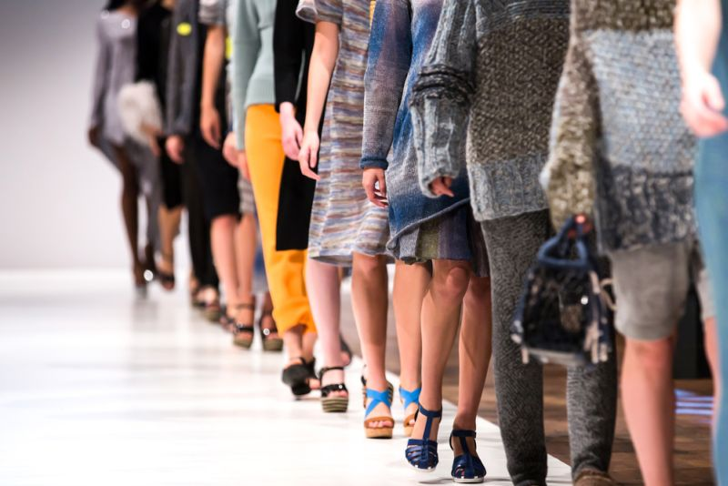 https: img-z.okeinfo.net content 2019 09 19 194 2106801 cerita-tuty-adib-desainer-iriana-jokowi-yang-tembus-new-york-fashion-week-hjONrRGDae.jpg