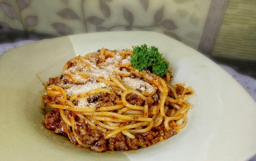 https: img-z.okeinfo.net content 2019 09 24 298 2108501 resep-olahan-spaghetti-untuk-menu-makan-siang-selezat-di-restoran-bintang-5-DSqBUvNXpI.jpg