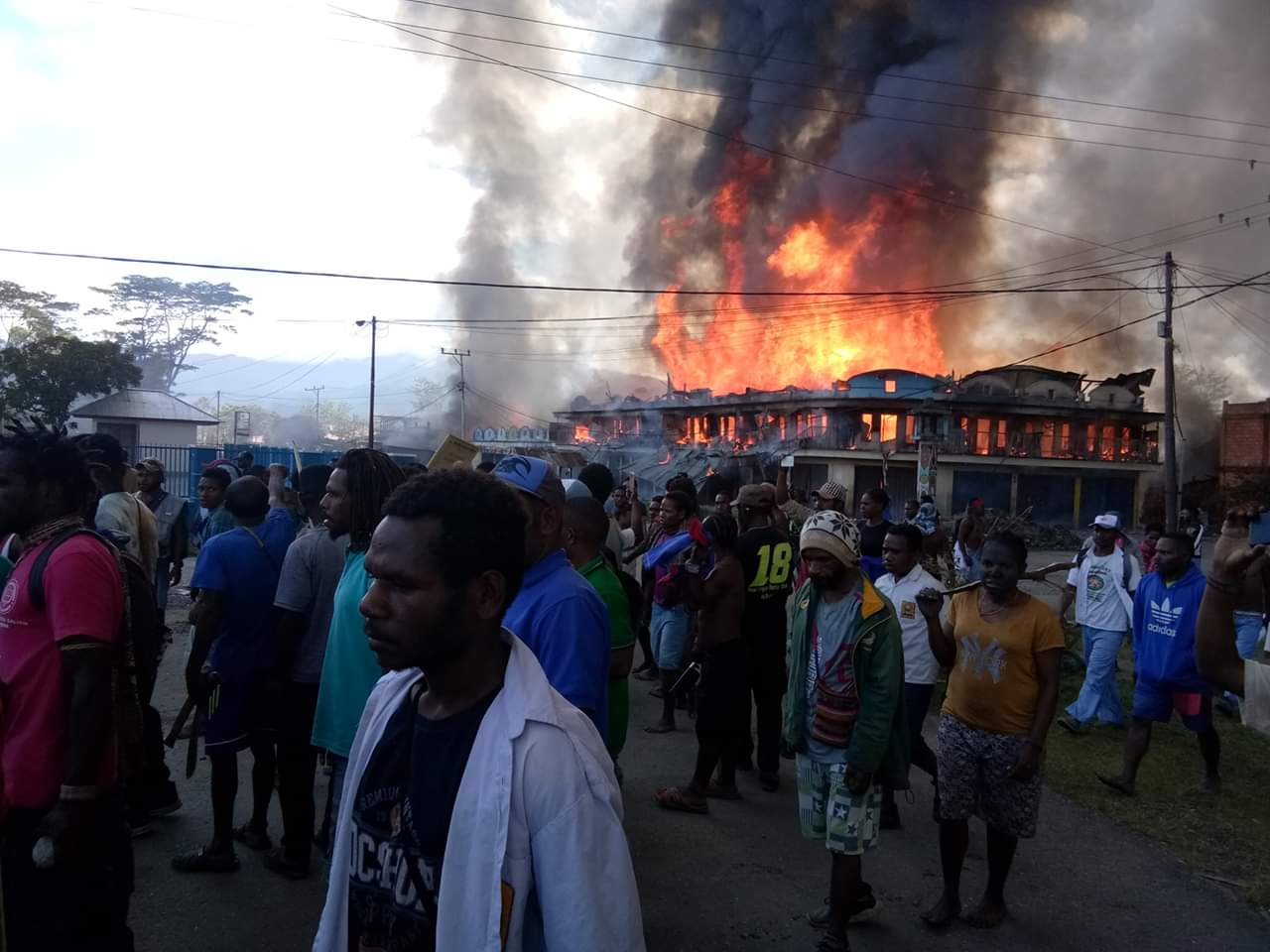 https: img-z.okeinfo.net content 2019 09 24 337 2108740 istana-prihatin-26-orang-tewas-akibat-kerusuhan-di-wamena-papua-0qWuFzWcpc.jpg
