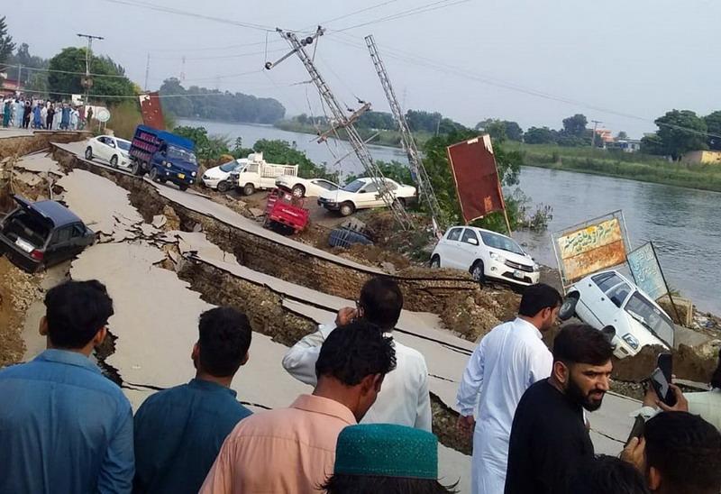 https: img-z.okeinfo.net content 2019 09 25 18 2109040 gempa-dahsyat-guncang-pakistan-hancurkan-rumah-dan-jalan-u81ihkIjD5.jpg