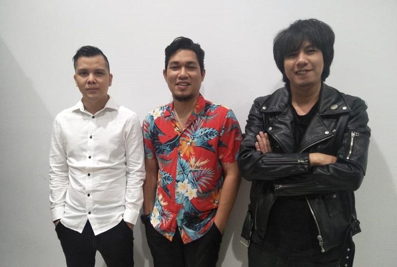 https: img-z.okeinfo.net content 2019 10 03 33 2112657 cita-citata-hingga-armada-band-ramaikan-indonesia-awards-2019-FHLE09g7Os.jpg