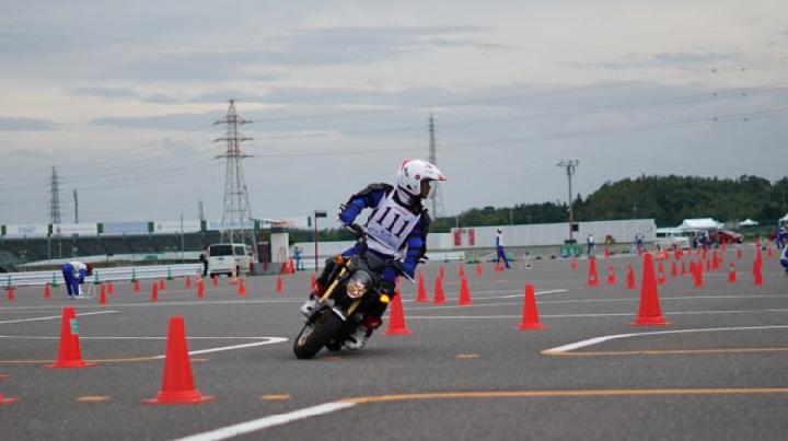 https: img-z.okeinfo.net content 2019 10 06 53 2113486 instruktur-safety-riding-ahm-kembali-bertaji-di-jepang-7QLWujK28J.jpg