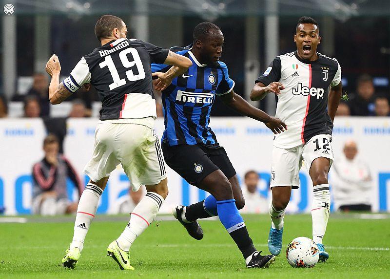 https: img-z.okeinfo.net content 2019 10 07 47 2113622 juventus-beri-inter-milan-kekalahan-perdana-di-liga-italia-2019-2020-Y3OVqkn8ZZ.jpg