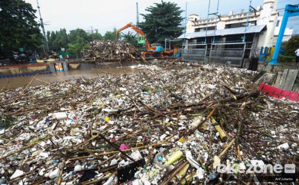 https: img-z.okeinfo.net content 2019 10 08 337 2114454 pengelolaan-sampah-di-indonesia-harus-dari-rumah-sendiri-7WoxFgqiLl.jpg