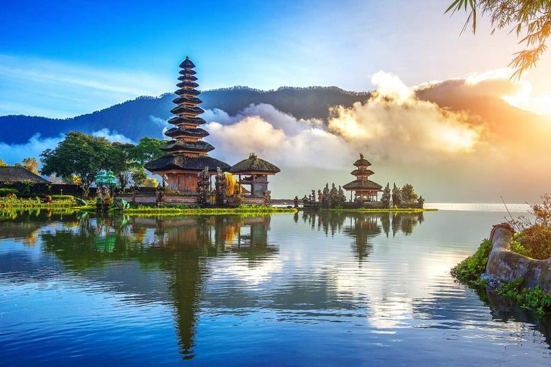 https: img-z.okeinfo.net content 2019 10 08 406 2114293 kemenpar-gandeng-asensi-promosikan-wonderful-indonesia-agar-lebih-mendunia-X6s8NpHAmZ.jpg