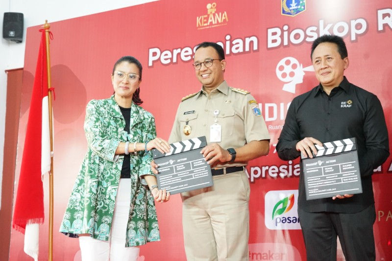 https: img-z.okeinfo.net content 2019 10 09 206 2114668 tonton-bioskop-rakyat-di-pasar-jaya-teluk-gong-y3M6fqYa9P.jpg