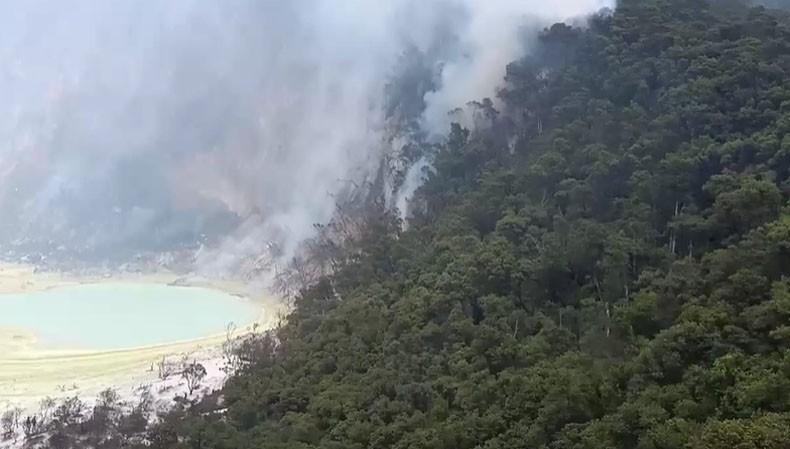 https: img-z.okeinfo.net content 2019 10 09 337 2114637 kebakaran-di-kawah-putih-padam-Ciktkje2jy.jpg