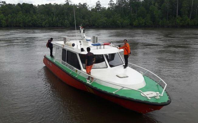 https: img-z.okeinfo.net content 2019 10 09 340 2114966 speed-boat-berpenumpang-36-orang-kandas-di-perairan-kaltara-hB3DXZN0cY.JPG