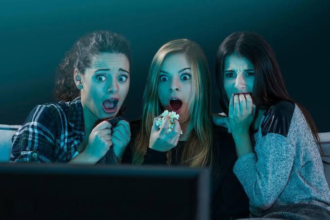 https: img-z.okeinfo.net content 2019 10 09 611 2114729 menonton-film-horor-dan-komedi-percepat-munculnya-tanda-penuaan-kok-bisa-Uu38f9ZZtr.jpg