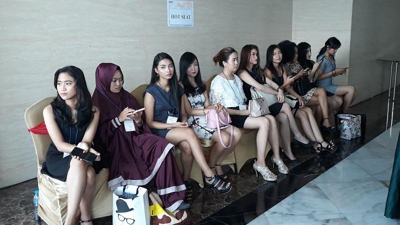 https: img-z.okeinfo.net content 2019 10 13 194 2116439 audisi-miss-indonesia-di-yogyakarta-diikuti-peserta-dari-berbagai-provinsi-PWzIT44iAD.jpg
