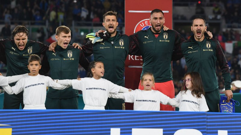 https: img-z.okeinfo.net content 2019 10 13 51 2116228 hajar-yunani-2-0-italia-masih-tak-terkalahkan-kualifikasi-piala-eropa-2020-QBsA4mwL5g.jpg