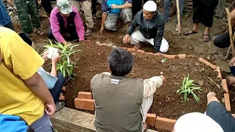 https: img-z.okeinfo.net content 2019 10 14 337 2116673 napi-teroris-asal-tasikmalaya-meninggal-di-lapas-nusakambangan-JSVvdOQQP2.JPG