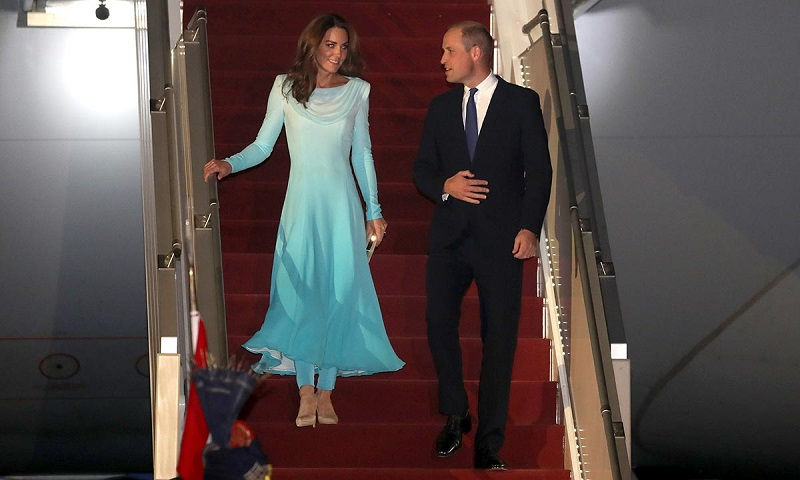https: img-z.okeinfo.net content 2019 10 15 196 2117188 royal-tur-ke-pakistan-berdua-siapa-yang-jaga-tiga-anak-pangeran-william-dan-kate-middleton-oAWFtaK0Ko.jpg
