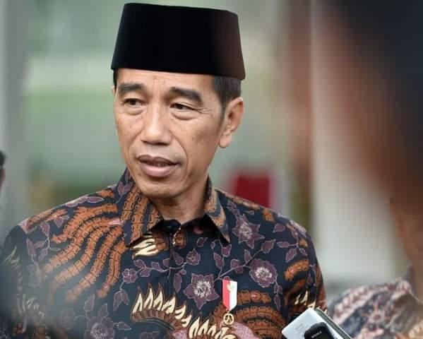 https: img-z.okeinfo.net content 2019 10 15 337 2117168 jokowi-terima-paguyuban-warga-pendatang-di-papua-vuzh7Ydt1F.jpg