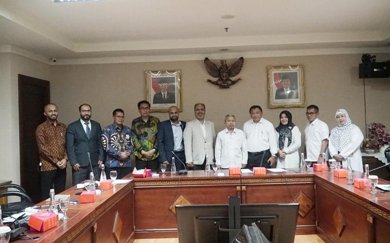 https: img-z.okeinfo.net content 2019 10 15 398 2117286 indonesia-percepat-pengajuan-slot-time-penerbangan-haji-2020-99sshRiKng.jpg