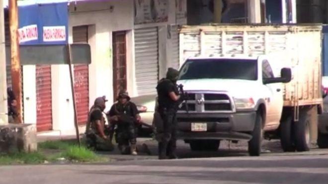 https: img-z.okeinfo.net content 2019 10 18 18 2118500 putra-raja-narkoba-meksiko-ditangkap-picu-baku-tembak-di-seluruh-kota-B4SpIa6bo9.jpg