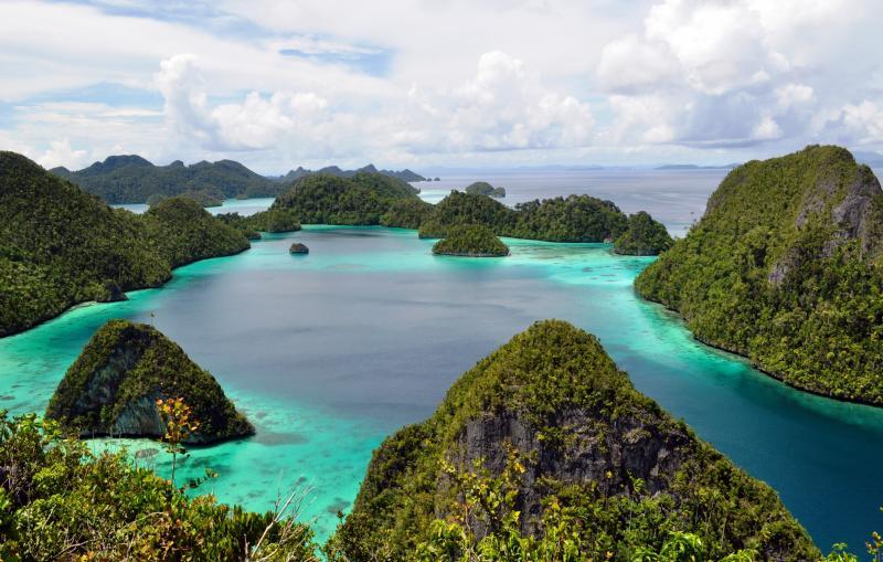 https: img-z.okeinfo.net content 2019 10 18 406 2118422 kemenpar-apresiasi-komitmen-reddoorz-dukung-misi-pariwisata-indonesia-rSKYEHlBck.jpg