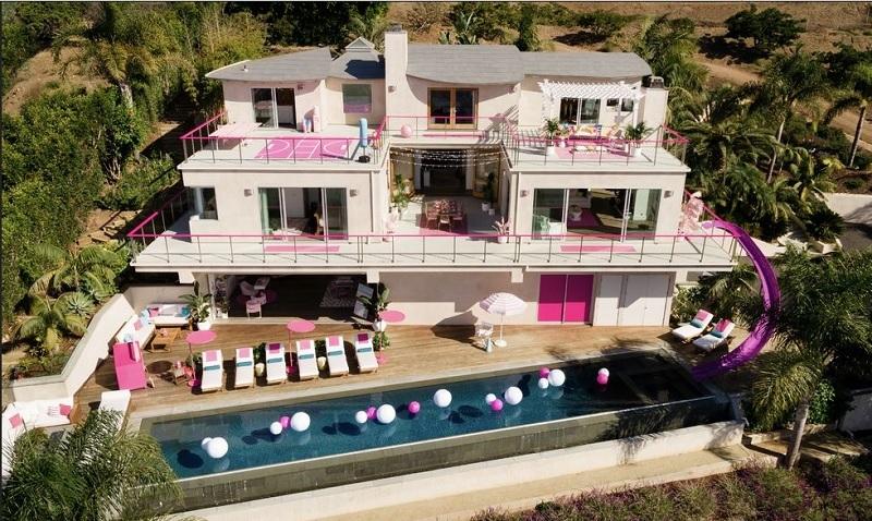 https: img-z.okeinfo.net content 2019 10 20 406 2119256 serba-pink-rasakan-sensasi-menginap-di-rumah-barbie-1Tiapf6hSm.jpg