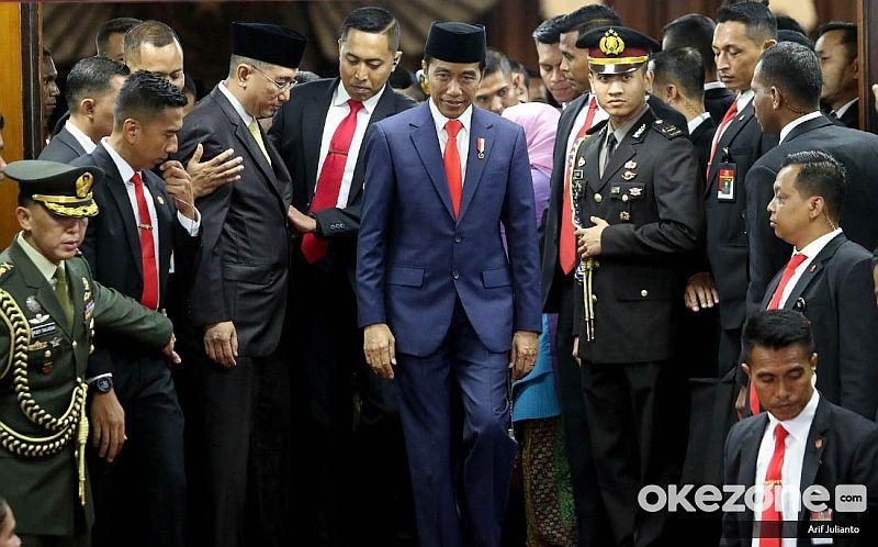 https: img-z.okeinfo.net content 2019 10 21 320 2119535 presiden-jokowi-ingin-menteri-terpilih-kerja-keras-dan-cepat-vfrSnyYDmw.jpg
