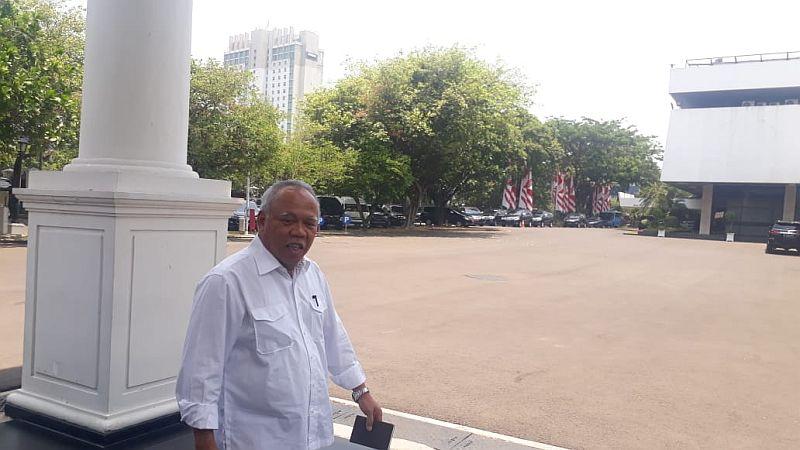 https: img-z.okeinfo.net content 2019 10 22 320 2120070 dipanggil-presiden-jokowi-ini-profil-basuki-daendels-hadimuljono-Gj0hksmVCa.jpg