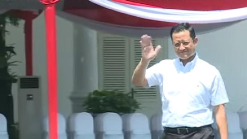 https: img-z.okeinfo.net content 2019 10 22 320 2120171 datangi-istana-wakil-bendahara-pdip-juliari-batubara-punya-kekayaan-rp51-8-miliar-kUYD5kzdIf.jpg