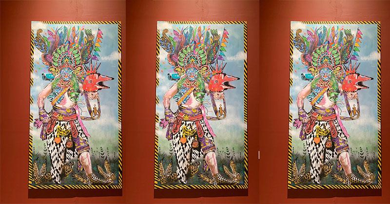https: img-z.okeinfo.net content 2019 10 22 406 2120420 seniman-asal-padang-sampaikan-pesan-pluralisme-lewat-seni-lukisan-eCPCQ3rvcs.jpg