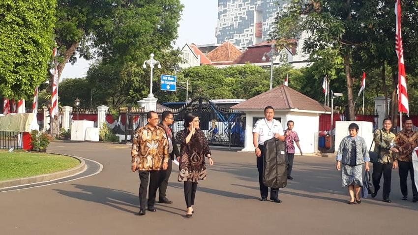 https: img-z.okeinfo.net content 2019 10 23 320 2120573 wajah-lama-menghiasi-kabinet-indonesia-maju-bidang-ekonomi-ini-daftarnya-P8M3iKcVXx.jpeg