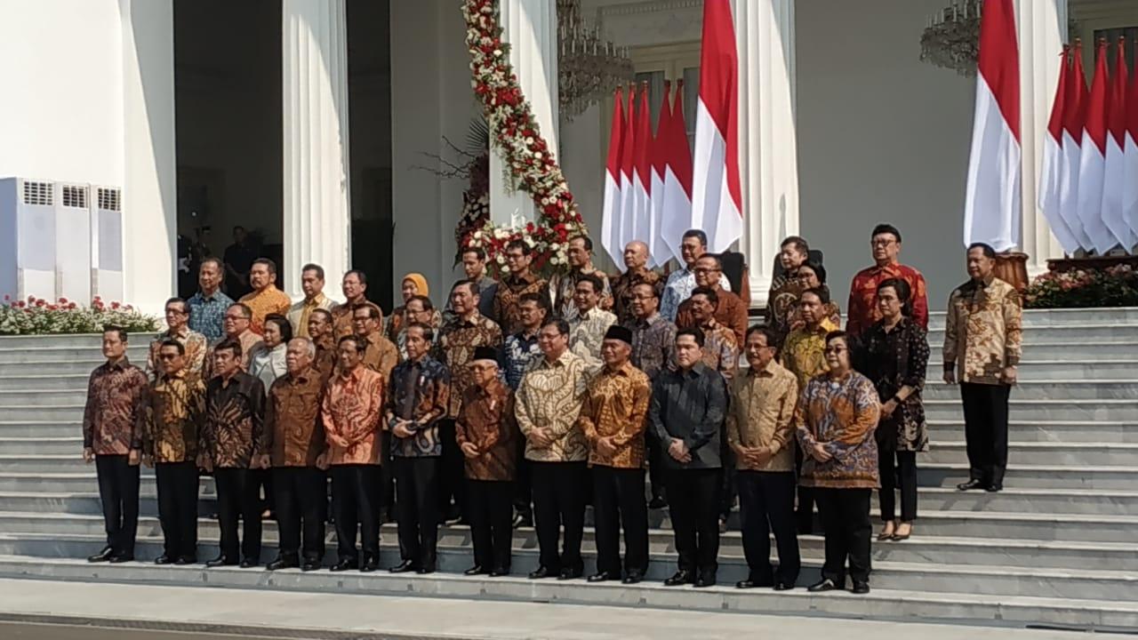 https: img-z.okeinfo.net content 2019 10 24 320 2121229 rapat-perdana-kabinet-indonesia-maju-semua-kementerian-cek-efektivitas-anggaran-SIL1tuz4St.jpeg