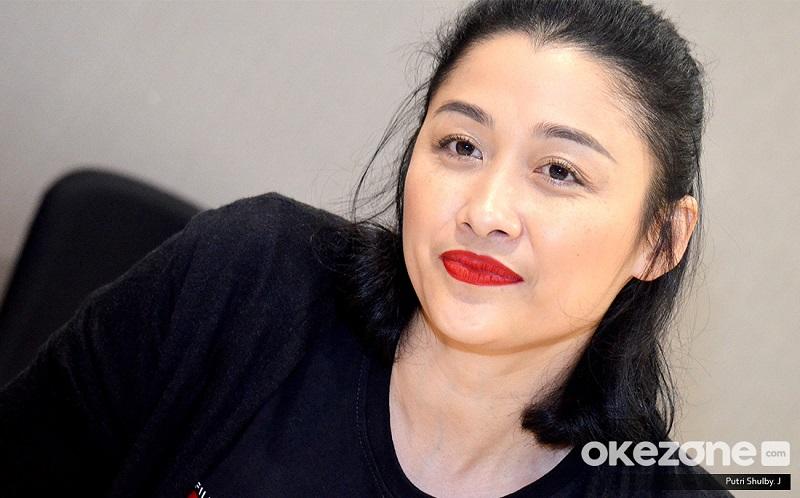 https: img-z.okeinfo.net content 2019 10 25 206 2121885 bintangi-susi-susanti-love-all-jenny-zhang-bangga-dilatih-liang-qiuxia-8neAaTCV15.jpg