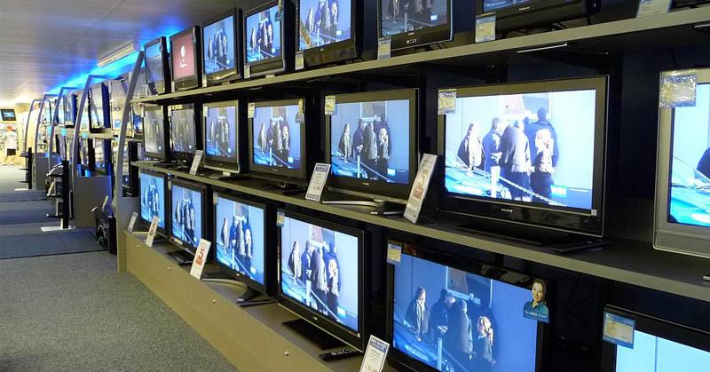 https: img-z.okeinfo.net content 2019 10 28 54 2122809 soal-penyiaran-menkominfo-johnny-fokus-migrasi-tv-analog-ke-digital-8p2aaG5vAP.jpg