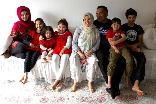 https: img-z.okeinfo.net content 2019 10 29 18 2123190 cerita-keluarga-afghanistan-bersembunyi-di-dalam-truk-demi-diselundupkan-masuk-ke-eropa-b5Q2uQ81Bl.jpg
