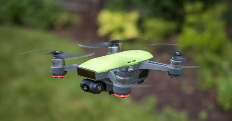https: img-z.okeinfo.net content 2019 10 31 207 2124148 khawatir-disadap-as-hentikan-penggunaan-drone-asal-china-dWHuZKN6yE.jpg