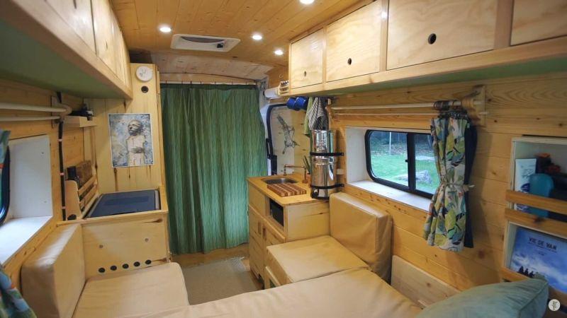https: img-z.okeinfo.net content 2019 11 01 312 2124563 modifikasi-mobil-kemping-dengan-interior-serba-kayu-bikin-betah-dalam-kabin-zaoVY3yjSE.jpg