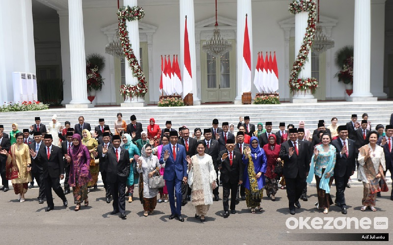 https: img-z.okeinfo.net content 2019 11 06 207 2126360 intip-akun-instagram-dan-twitter-para-menteri-kabinet-indonesia-maju-GLruK2Ky3l.jpg