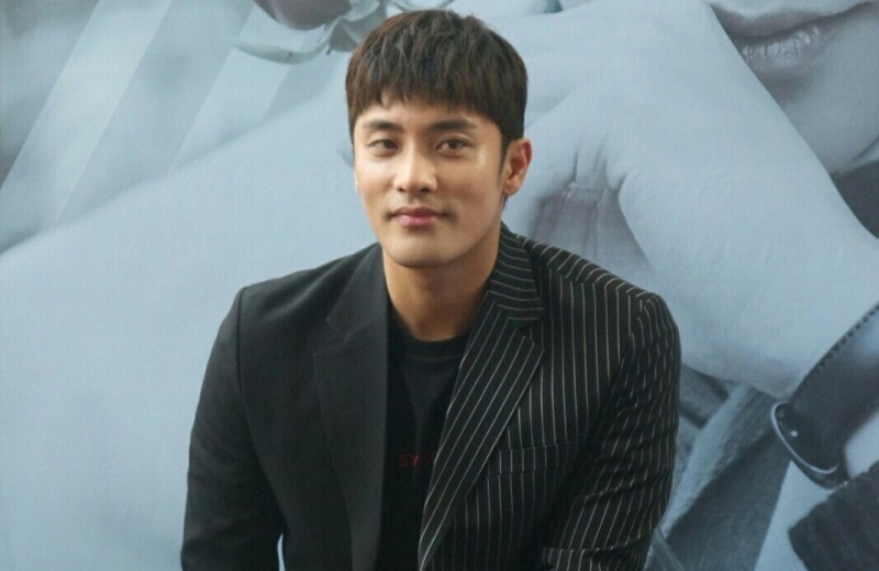 https: img-z.okeinfo.net content 2019 11 08 33 2127636 sung-hoon-siap-gelar-fan-meeting-rasa-konser-j05Xmw8FGH.jpg