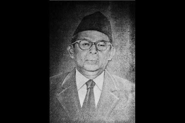 https: img-z.okeinfo.net content 2019 11 08 337 2127572 abdul-kahar-mudzakkir-pejuang-dan-cendekiawan-yang-dianugerahi-gelar-pahlawan-nasional-KtHWsHgcHK.jpg