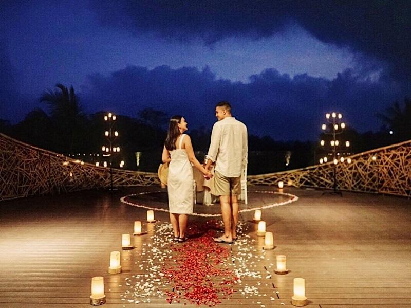 https: img-z.okeinfo.net content 2019 11 08 406 2127238 6-momen-romantis-marcel-chandrawinata-liburan-bareng-istri-ke-pulau-dewata-WpPxcJZ2fP.jpg