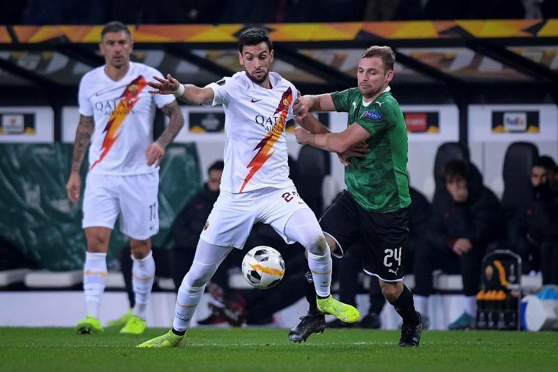 https: img-z.okeinfo.net content 2019 11 08 51 2127194 senasib-dengan-lazio-roma-juga-kalah-di-matchday-keempat-liga-eropa-rnhquYomKg.jpg