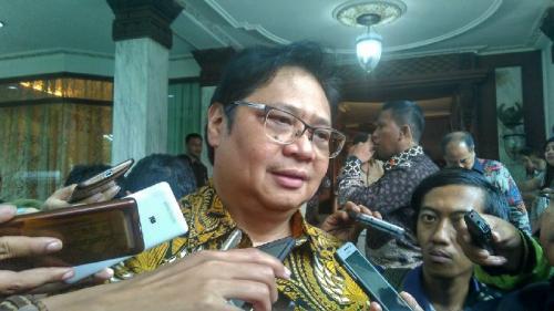 https: img-z.okeinfo.net content 2019 11 09 20 2127870 menko-airlangga-ekonomi-indonesia-lebih-baik-dari-malaysia-iL2I3DKTYB.jpg
