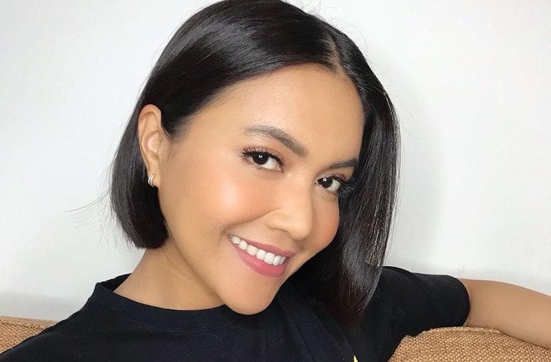 https: img-z.okeinfo.net content 2019 11 09 33 2127877 berobat-di-singapura-putri-denada-kangen-makanan-indonesia-0rVcSq3hL9.jpg