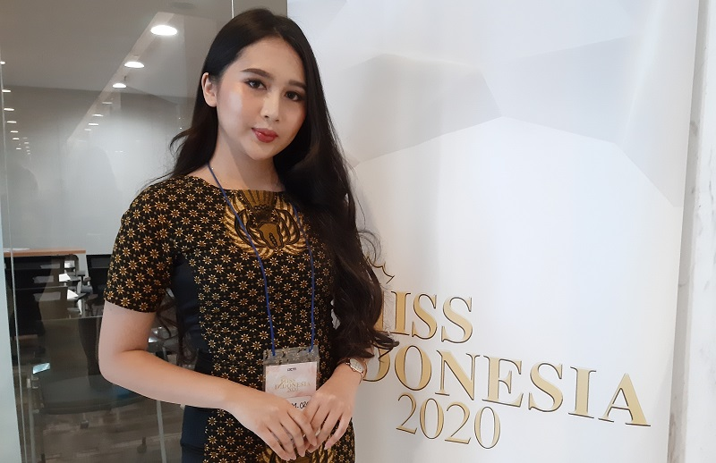 https: img-z.okeinfo.net content 2019 11 10 194 2128101 audisi-miss-indonesia-2020-mahasiswi-kedokteran-ini-bawa-misi-khusus-14OsWmp6kC.jpg