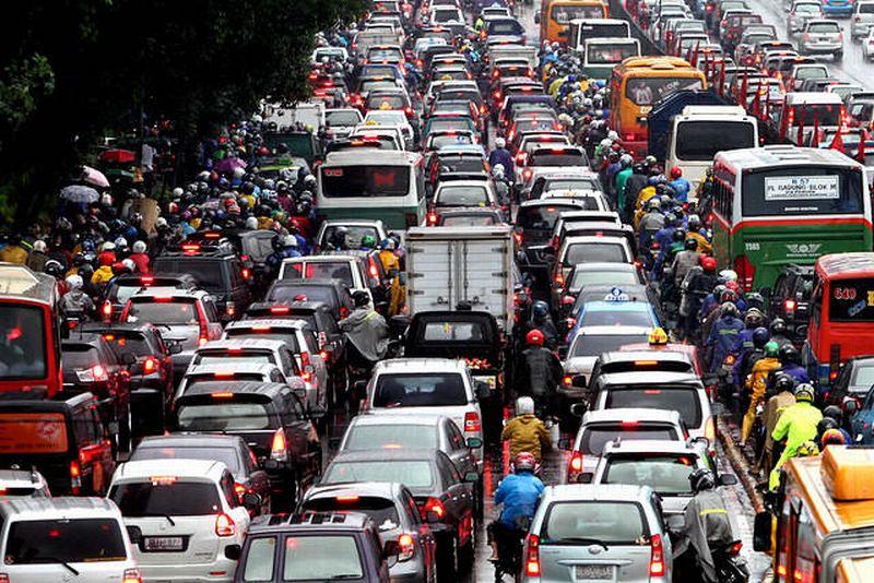 https: img-z.okeinfo.net content 2019 11 13 52 2129545 kemacetan-menjadi-penentu-naiknya-bea-balik-nama-kendaraan-rbcuq1ahEP.jpg