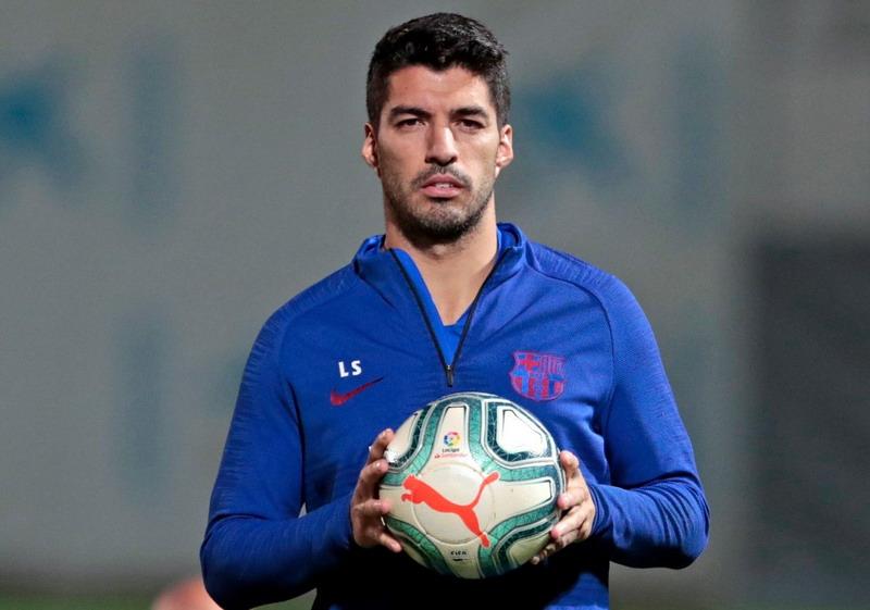 https: img-z.okeinfo.net content 2019 11 14 46 2129688 suarez-tak-masalah-barcelona-cari-striker-anyar-sXqnqjG7LN.jpg