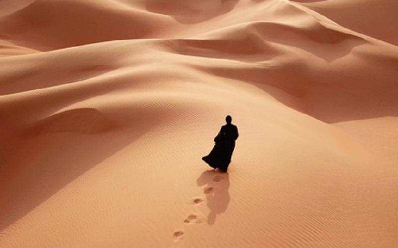 https: img-z.okeinfo.net content 2019 11 15 614 2130360 kisah-ummu-kultsum-binti-uqbah-nekat-hijrah-dari-makkah-ke-madinah-dengan-berjalan-kaki-05rhSOh8UB.jpg
