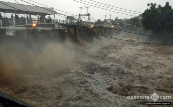 https: img-z.okeinfo.net content 2019 11 16 337 2130621 sepenggal-kisah-kuncen-katulampa-ujung-tombak-informasi-banjir-jakarta-SWjpjm8TAP.jpg