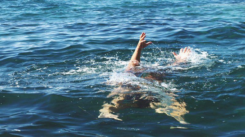 https: img-z.okeinfo.net content 2019 11 16 340 2130668 2-wisatawan-tenggelam-terseret-arus-di-pantai-badegur-banten-xvMW7MTu1s.jpg