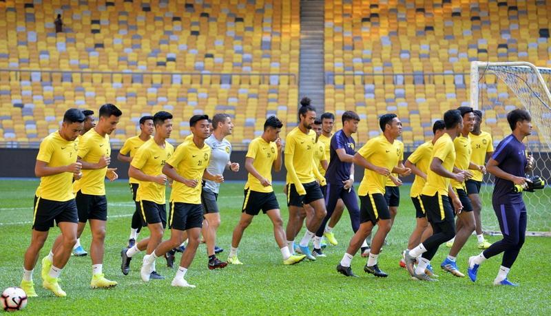 https: img-z.okeinfo.net content 2019 11 18 51 2131426 lupakan-insiden-di-sugbk-pelatih-malaysia-minta-pemainnya-fokus-ke-pertandingan-5ap3CkkURL.jpg