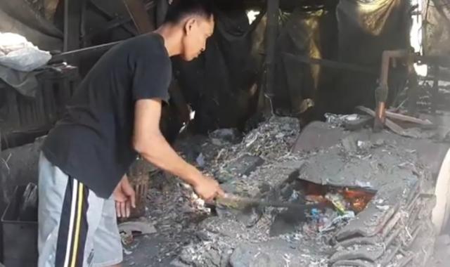 https: img-z.okeinfo.net content 2019 11 19 519 2131968 gunakan-sampah-plastik-untuk-bahan-bakar-ini-alasan-pemilik-pabrik-tahu-vDehIoStr0.jpg